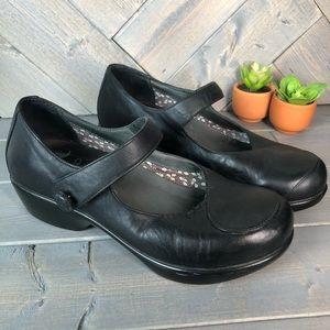 Dansko Black Leather Mary Janes Size 7